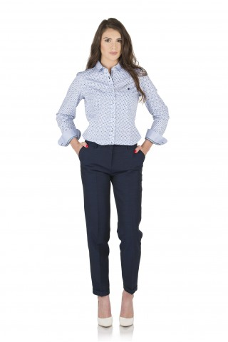 Светлосиня риза от памук с цветни детайли