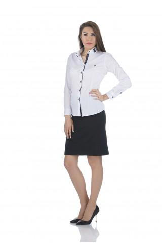 Бяла памучна риза с тъмносини детайли