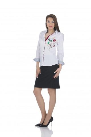Бяла риза с цветна бродерия