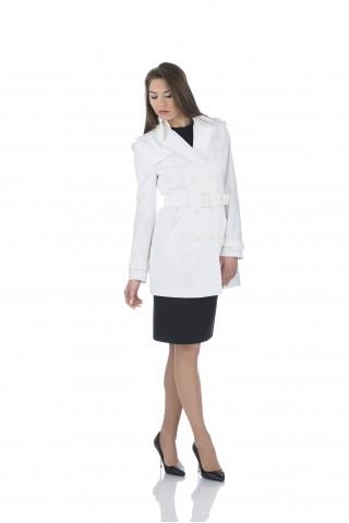 Дамски шлифер в бяло от водонепропускащ плат