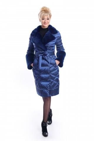 Синъо пухено палто с яка и маншети от заешка кожа