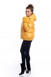 Жълто, късо пухено яке с маншети от заешка кожа