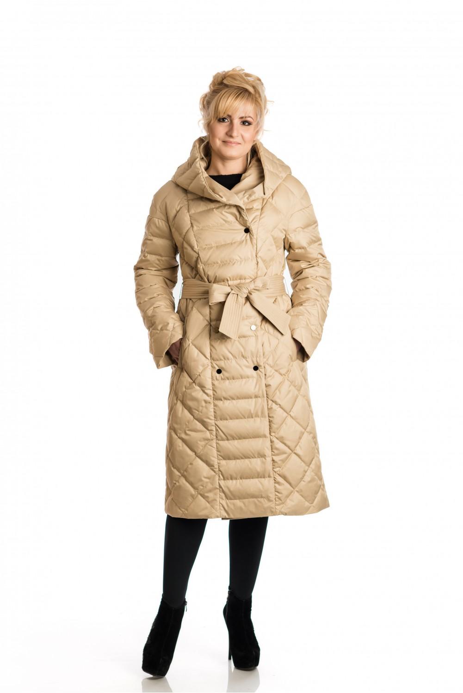 Светло-бежово пухено палто с качулка.